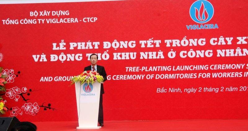 Đồng chí Phạm Hồng Hà - Ủy viên BCH TƯ Đảng, Bộ trưởng Bộ Xây dựng phát động Tết trồng cây Xuân Đinh Dậu và phát lệnh Động thổ Khu nhà ở công nhân tại KCN Yên Phong