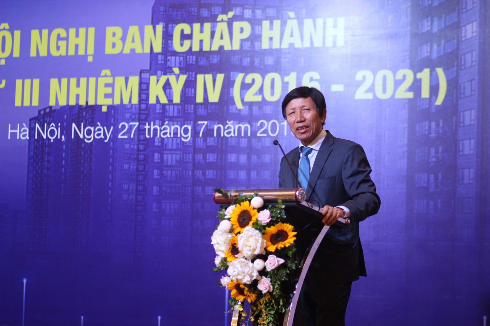 Ông Phan Hữu Thắng