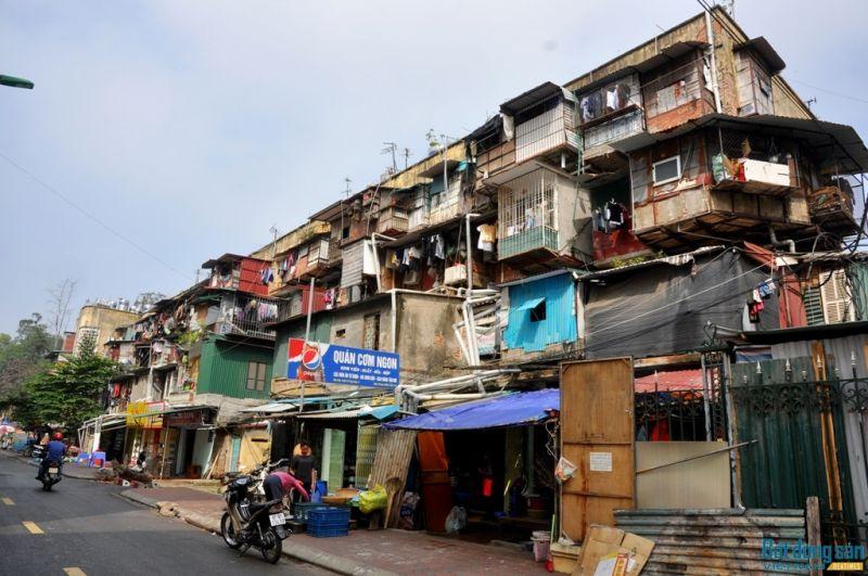 Một khu chung cư cũ ở quận Đống Đa, Hà Nội. Ảnh Trần Kháng