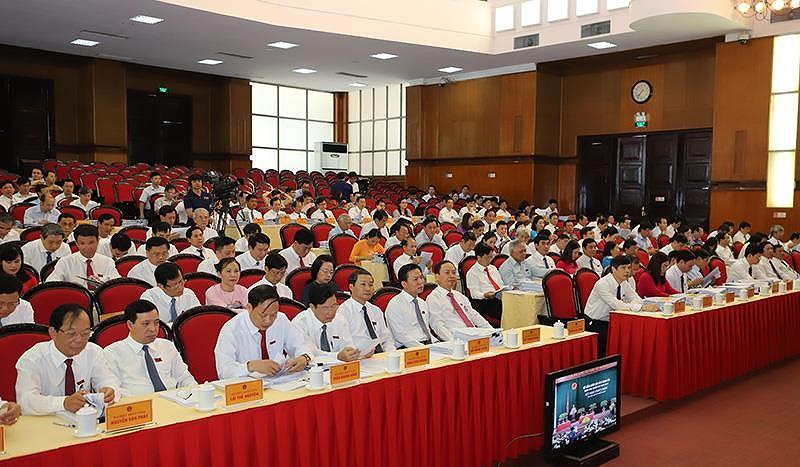 Toàn cảnh buổi họp Hộ đồng nhân dân tỉnh Thanh Hóa sáng nay.