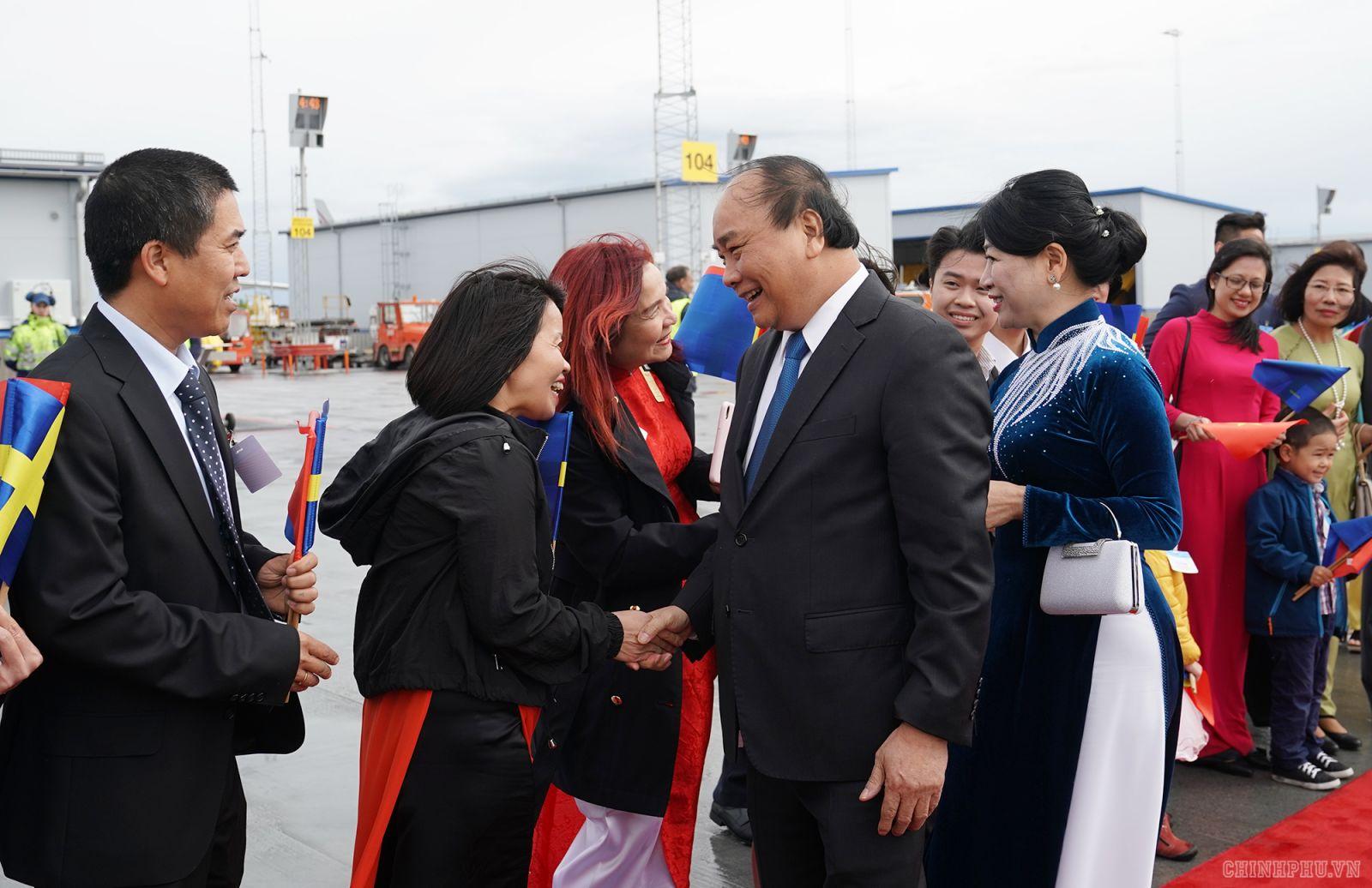 Lễ đón Thủ tướng, Phu nhân và đoàn tại sân bay. Ảnh: VGP/Quang Hiếu