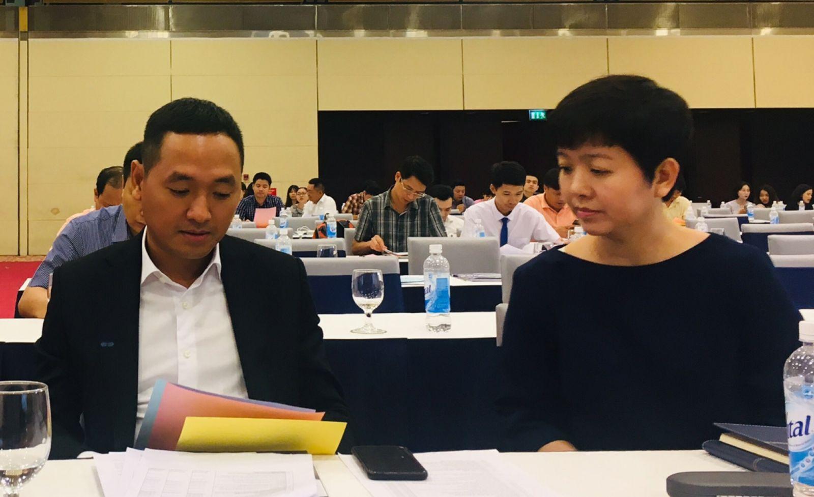 Ông Nguyễn Văn Tuấn và bà Đỗ Thị Phương Lan - 2 ứng viên được nhóm Gelex đề cử vào HĐQT. Ảnh: Lê Hải.
