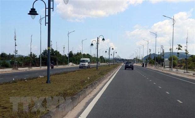 Đường giao thông trên đảo Phú Quốc. (Ảnh: Lê Huy Hải/TTXVN)