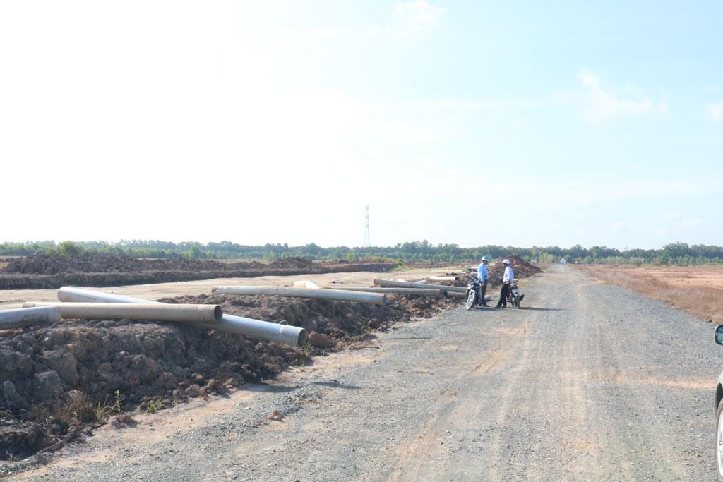 Dự án Khu công nghiệp, Khu đô thị Việt Phát có diện tích gần 2.000ha đến nay vẫn là bãi đất trống