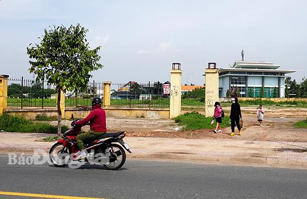Khu đất ở phường Tân Tiến (TP.Biên Hòa) chuẩn bị xây dựng Công viên B5, nơi đang được nhiều người dân quan tâm. Ảnh: K.Giới