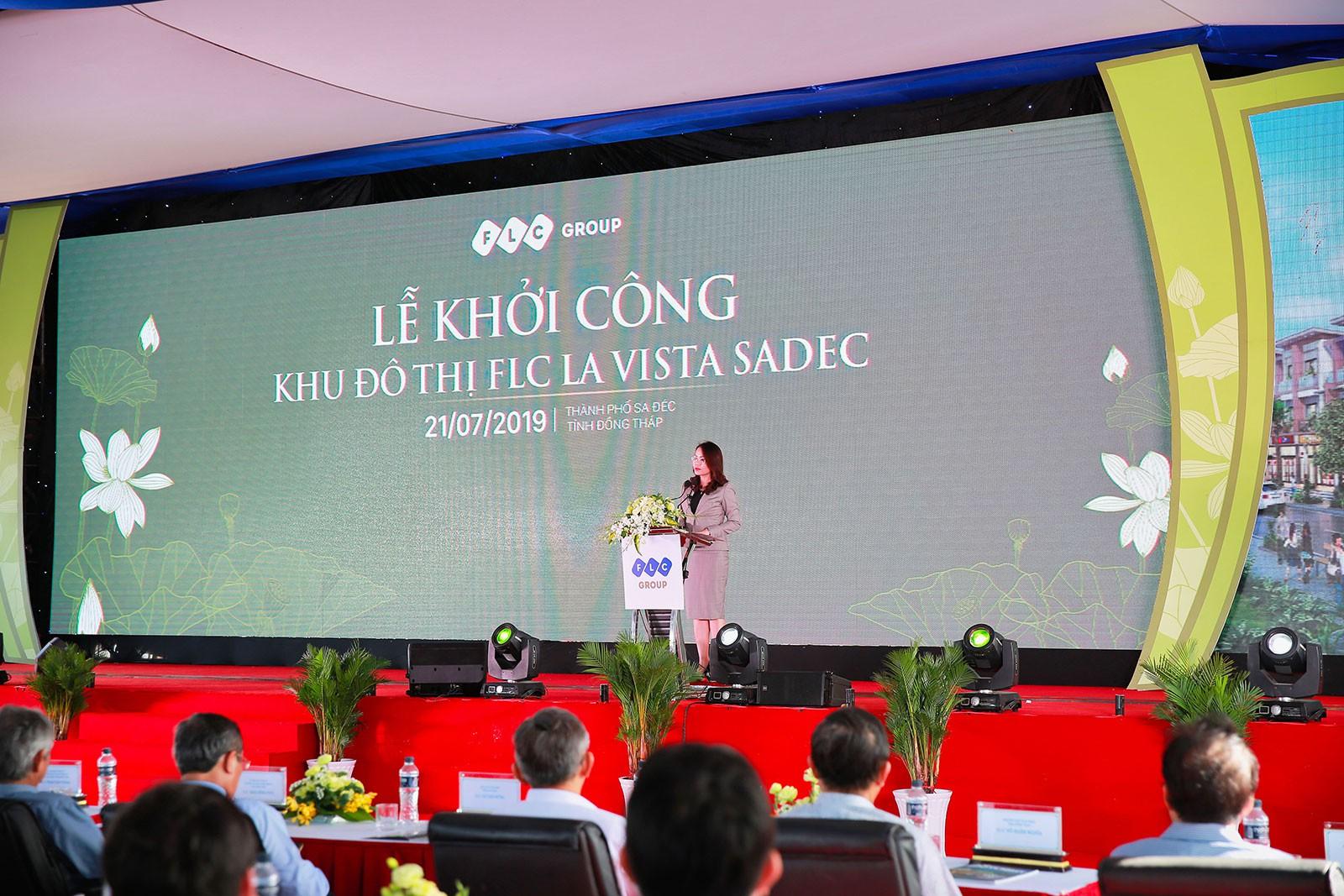Bà Hương Trần Kiều Dung phát biểu tại lễ khởi công ngày 21/7. Ảnh: FLC.