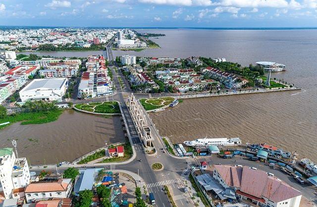 UBND tỉnh Kiên Giang đã trao quyết định đầu tư cho 118 dự án trong 25 lĩnh vực, với tổng số vốn dự kiến hơn 30.000 tỉ đồng.