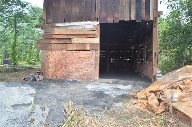 Những ngôi nhà tạm bợ, được dưng chóng vánh trong 1 đêm.