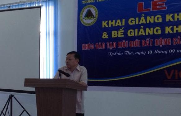 Ông Nguyễn Văn Khôi, Nguyên Phó Chủ tịch UBND TP. Hà Nội, Phó Chủ tịch Hiệp hội BĐS Việt Nam cho biết, Chương trình đào tạo môi giới BĐS chuyên nghiệp được tổ chức với mục tiêu nâng cao chất lượng nguồn nhân lực của thị trường BĐS.