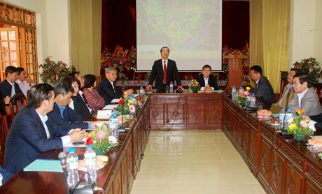 Bộ trưởng Bộ Xây dựng Phạm Hồng Hà phát biểu tại buổi làm việc.