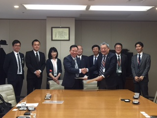 Ảnh chụp lễ kí kết hợp tác cung cấp Điều dưỡng viên giũa Trường Cao Đẳng Nghề Thăng Long và Công ty Haseko Holding ( thuoc Tap Đoàn Haseko Nhat ban). Haseko Holding có 45 loai hinh ( toa nha ) đầu tư kinh doanh OLDO-TEL ở khắp Nhật bản , chủ yếu cung cấp dịch vụ cuộc sống cho nhân viên Tập Đoàn Haseko khi nghir hưu Tập Đoàn Haseko ( Hadeko Corp. ) - la Tạp Đoàn chuyên đàu tư kinh doanh căn hộ loại khá tại Nhật bản , hiện chiếm tới 60% thị phần căn hộ loại này tại Nhật Bản.