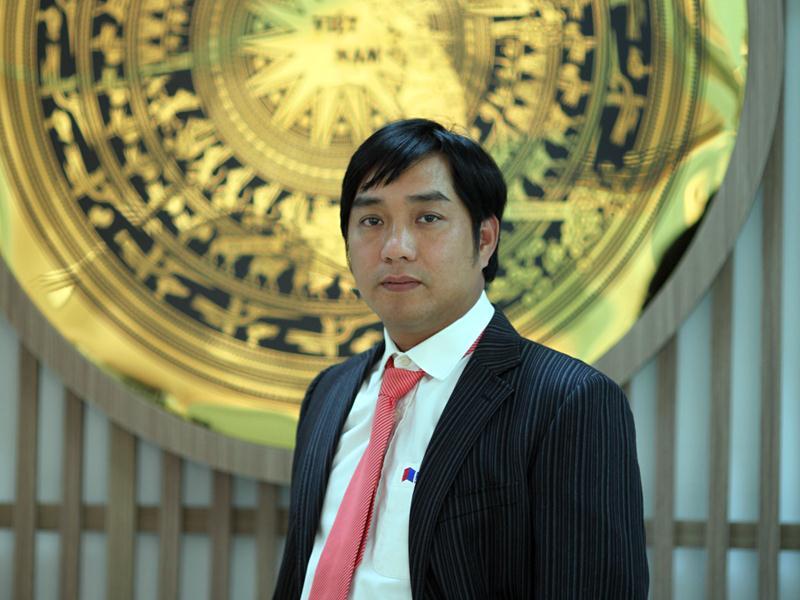 CEO Hồ Minh Hoàng.