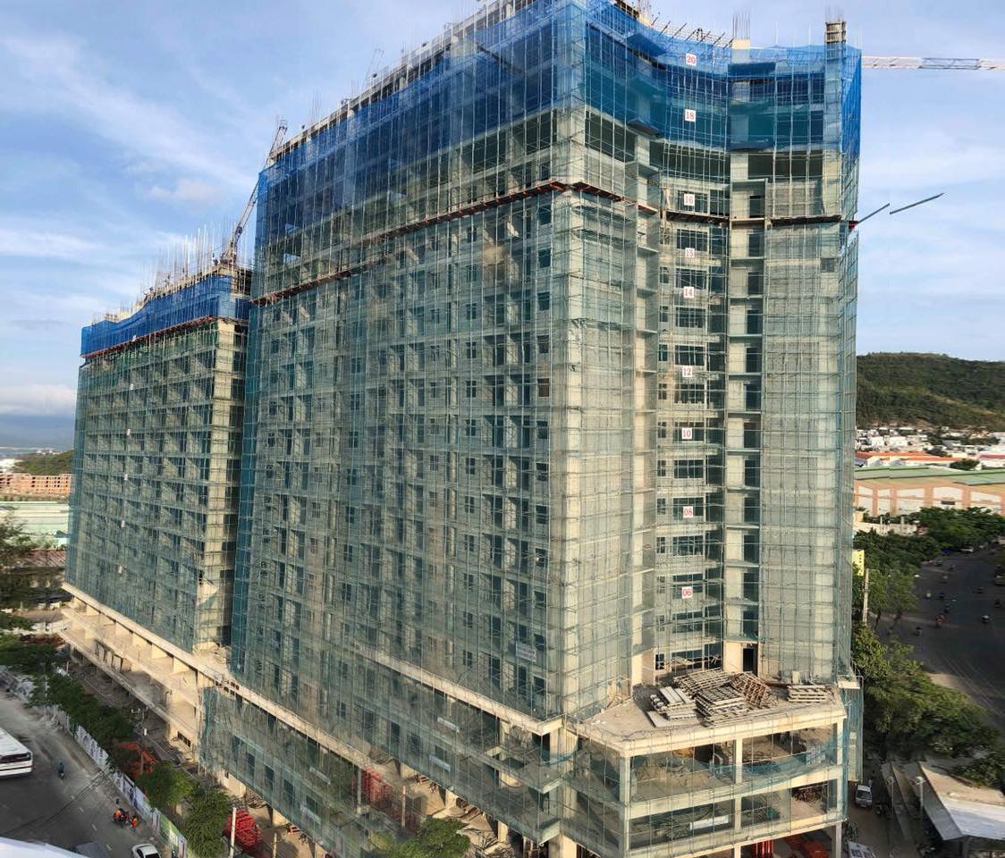 P.H Complex Nha Trang hiện tại thi công đến tầng 21 – dự kiến cất nóc tháng 5/2018.
