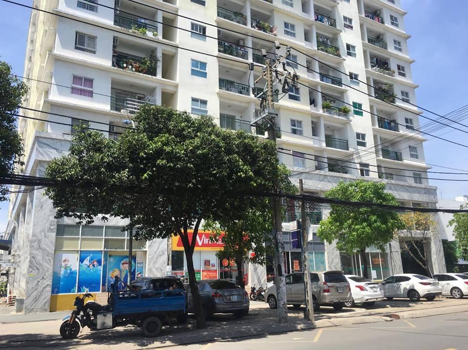 Thông tin vào ngày 1/6 là hạn cuối để những người dân sống trong căn hộ xây sai thiết kế tại chung cư Khang Gia Tân Hương phải dọn ra ngoài không phải ai cũng biết.