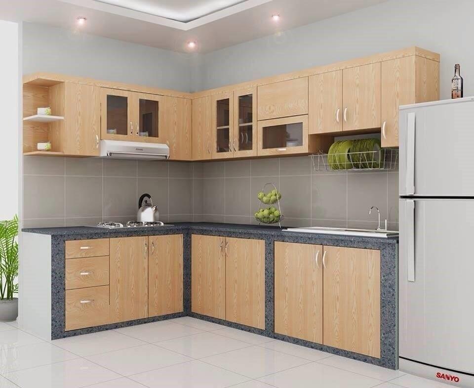 Trong các căn hộ chung cư, đường ống nước thường được chạy trong hộc tủ dưới bệ bếp để việc lắp đặt được đơn giản và thuận tiện.