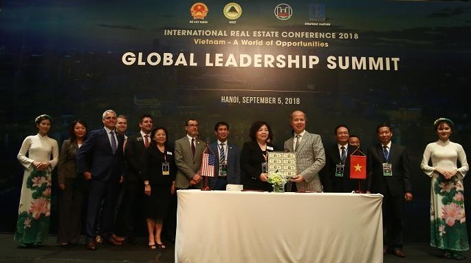 Lễ ký kết hợp tác giữa Hiệp hội Bất động sản Việt Nam và Hội Bất động sản và Môi giới Tây San Gabriel