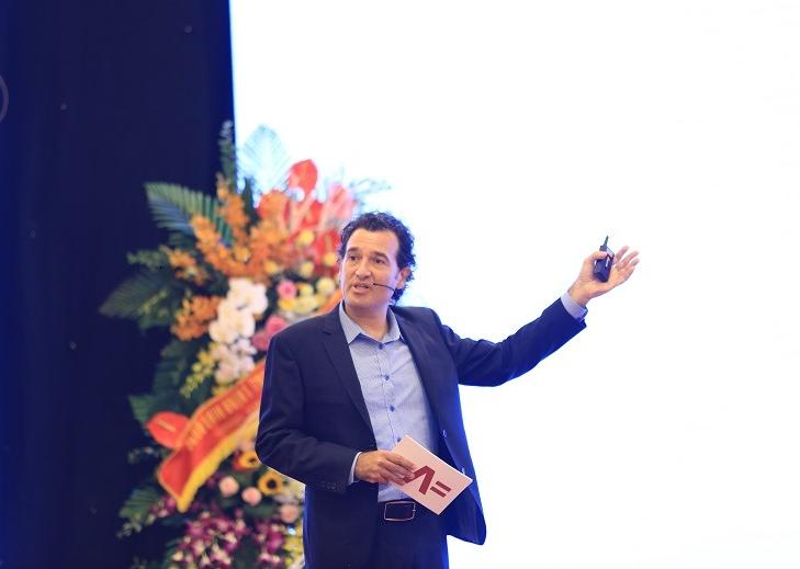 Diễn giả nổi tiếng thế giới Daniel Levine