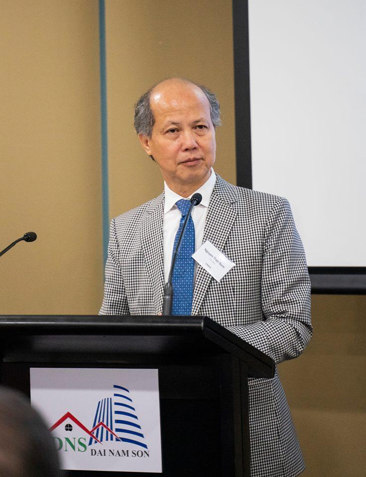 Ông Nguyễn Trần Nam – Chủ tịch VNREA phát biểu tại Hội nghị