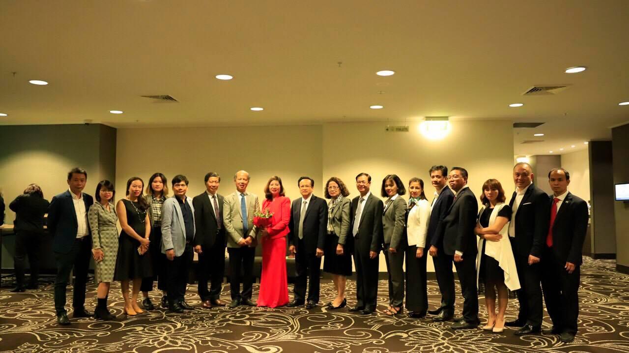 Đoàn đại biểu VNREA Việt Nam