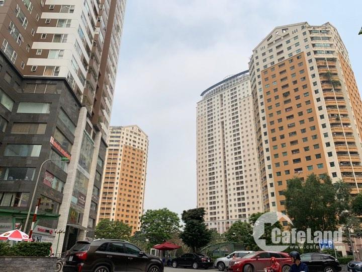 Hiện nay, mật độ dân cư tại Khu đô thị Trung Hoà - Nhân Chính đã gấp đôi so với quy hoạch được duyệt lần đầu.