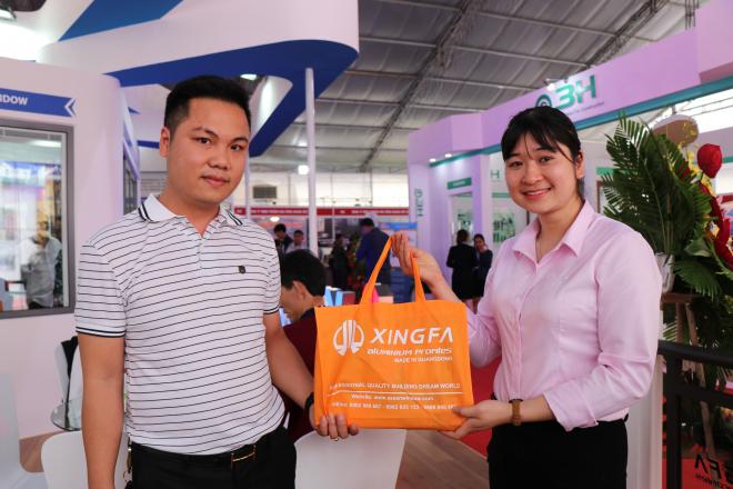 Xingfa dành tặng những món quà nhỏ cho khách tham quan