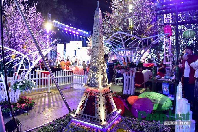 Mô hình thu nhỏ của những kì quan thế giới cũng xuất hiện trong Lễ hội hoa anh đào 2019.
