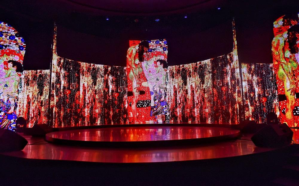 Đắm chìm văn hóa châu Âu trên sân khấu nghệ thuật đỉnh cao của Wonder Fashion Show