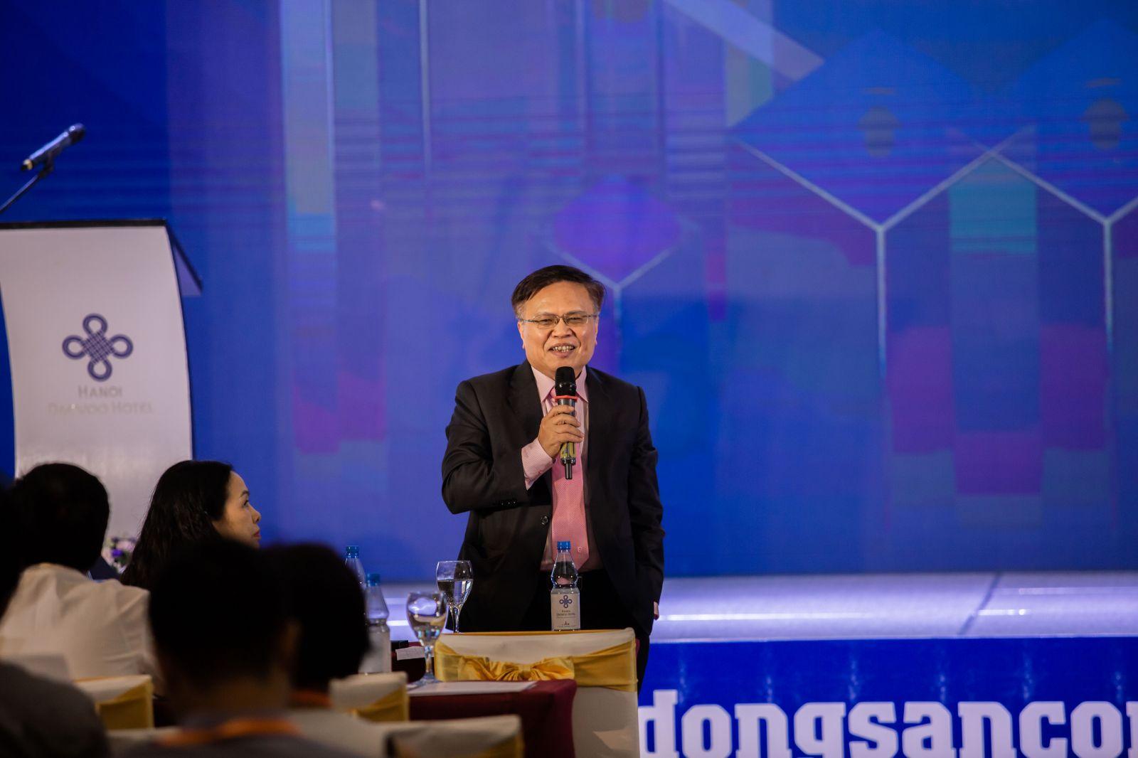 (TS. Trần Đình Cung phát biểu tại Diễn đàn Bất động sản Công nghiệp Việt Nam)