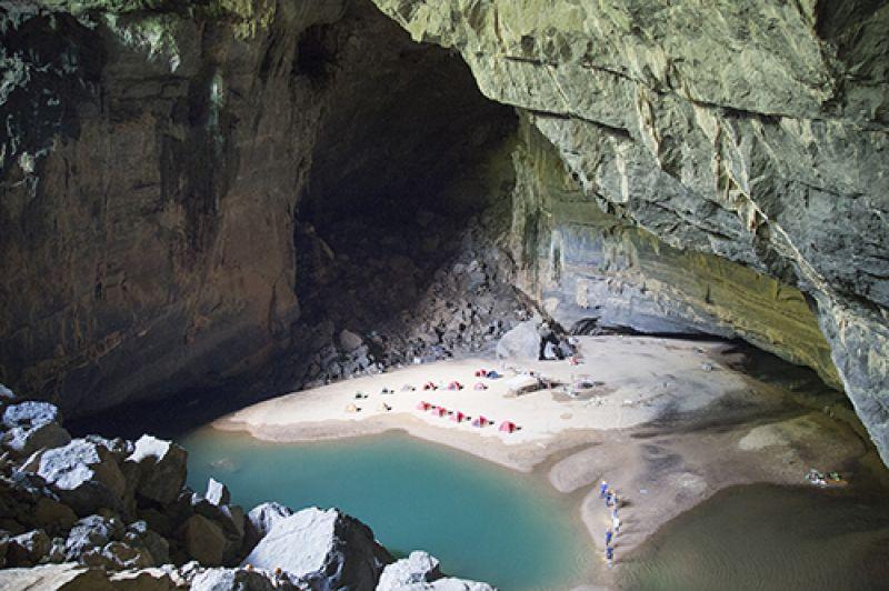 Hang Én, hang lớn thứ ba thế giới. Ảnh: Hoàng Táo