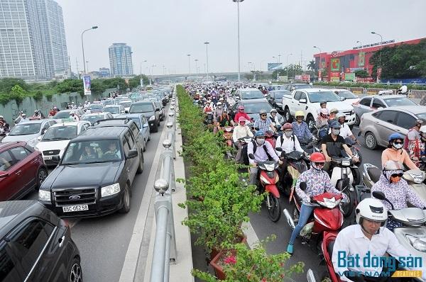 """Quy hoạch đô thị: """"Gom"""" dân chứ không phải giãn dân"""