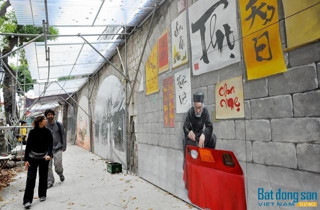 Ngắm gánh hàng rong, ông đồ... trên vòm cầu phố Phùng Hưng