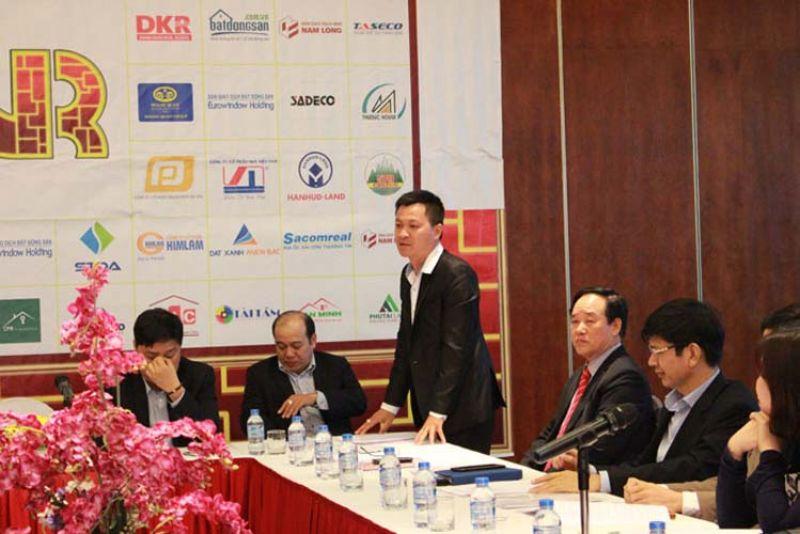 Ông Trần Đình Quý phát biểu trong một hội nghị.