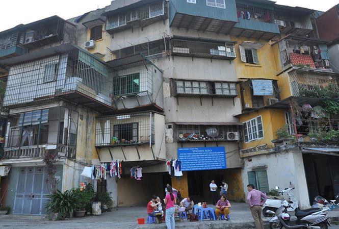Thủ tướng Nguyễn Xuân Phúc chỉ đạo phải nhanh chóng tháo gỡ khó khăn, đẩy nhanh tiến trình tái thiết cho các dự án chung cư cũ.