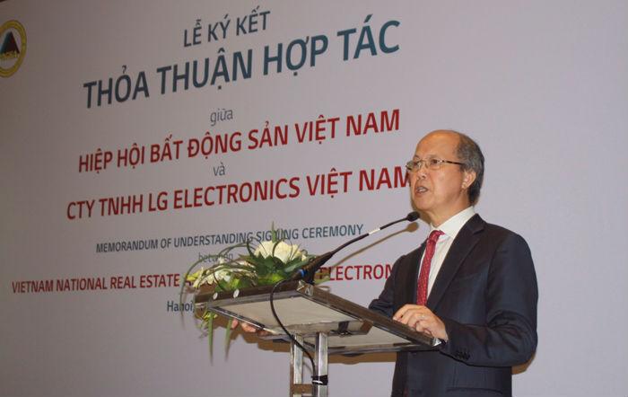 Ông Nguyễn Trần Nam phát biểu tại lễ ký kết.