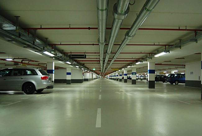 Tầng hầm giữ xe là một trong nguyên nhân khơi mào cho các vụ tranh chấp ở chung cư. Ảnh: V.D