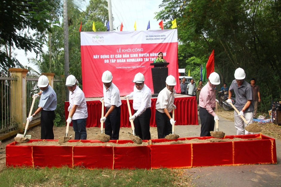 Lễ khởi công xây dựng 07 cầu dân sinh tại huyện Hồng Ngự, tỉnh Đồng Tháp ngày 28/10/2017