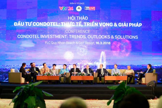 Chủ tịch Hiệp hội Bất động sản Việt Nam Nguyễn Trần Nam và các diễn giả tham gia phiên thảo luận thứ 2 về pháp lý cho Condotel
