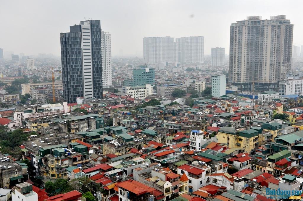 Cải tạo các chung cư cũ đang là việc làm cấp thiết để đảm bảo cuộc sống của người dân. Tuy nhiên, kế hoạch cải tạo chung cư cũ vẫn đang gặp nhiều khó khăn.