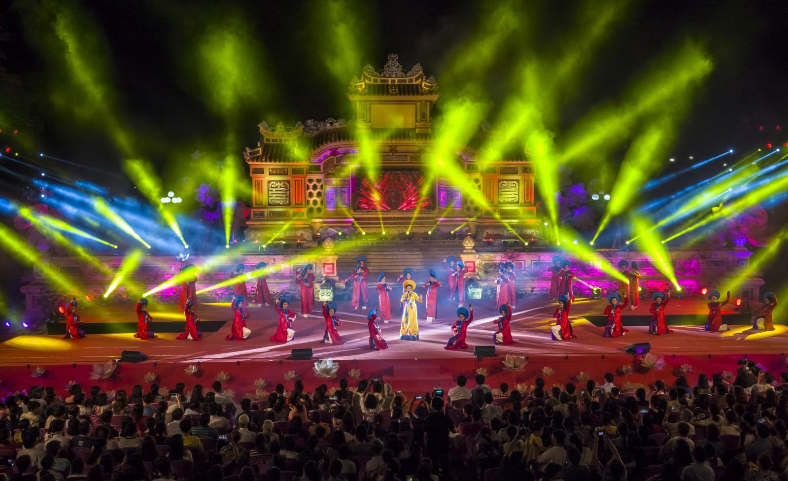 Festival 2 năm một lần là sự kiện nổi bật của thành phố Huế