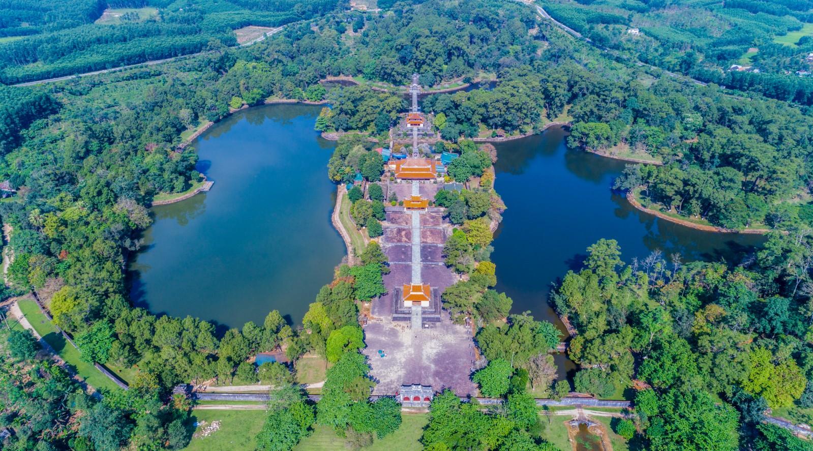 Toàn cảnh Lăng vua Minh Mạng