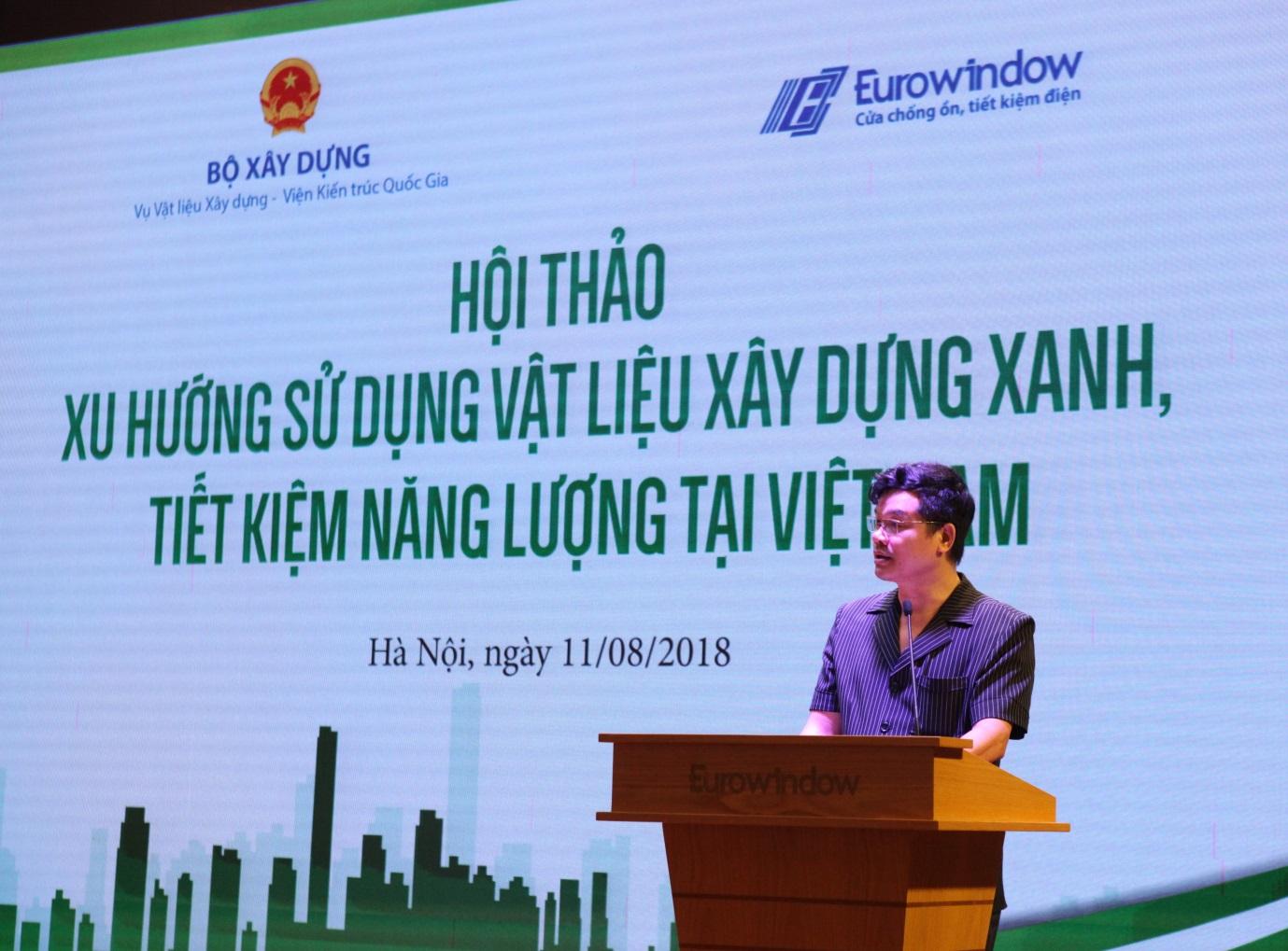 """Ông Phạm Văn Bắc - Vụ trưởng Vụ vật liệu xây dựng (Bộ Xây dựng) phát biểu tại hội thảo """"Xu hướng sử dụng vật liệu xây dựng xanh, tiết kiệm năng lượng tại Việt Nam""""."""