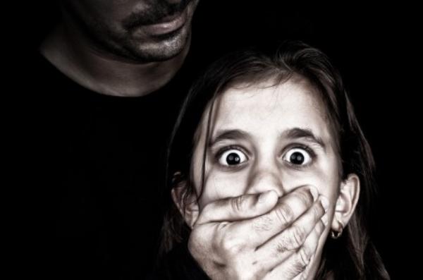 gây ra tội ác với trẻ em là một hành động thú tính cùng cực. Không một nền văn minh nào từ cổ chí kim dung thứ điều này