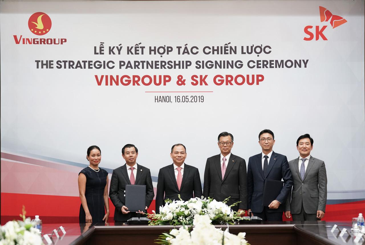Lãnh đạo Tập đoàn Vingroup và Lãnh đạo Tập đoàn SK trong Lễ ký kết hợp tác chiến lược ngày ngày 16/5/2019