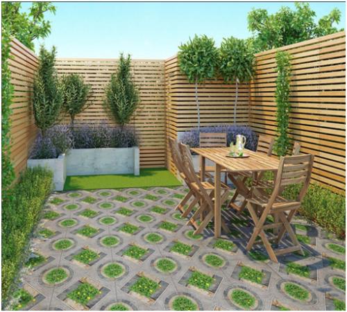 Bạn có thể sử dụng các loại gạch ốp lát có họa tiết đơn giản với những sân vườn có diện tích nhỏ để tạo cảm giác diện tích rộng hơn.