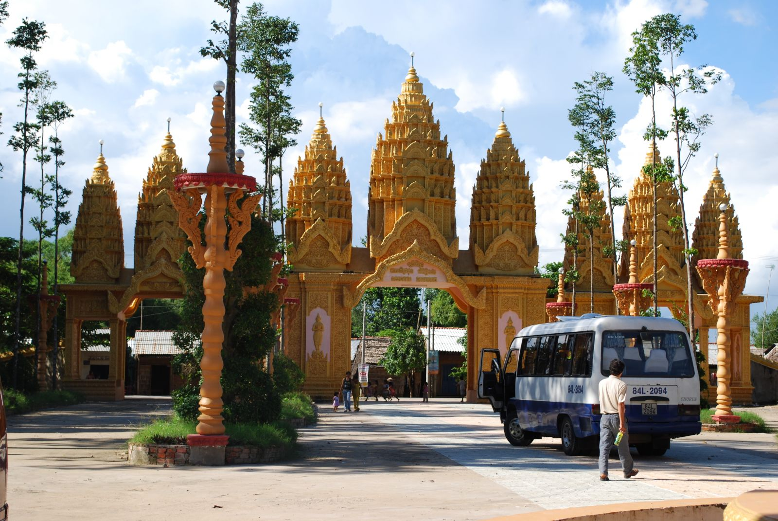 Trà Vinh có hơn 140 ngôi chùa Khmer, nơi bảo tồn nhiều di sản văn hóa dân tộc độc đáo