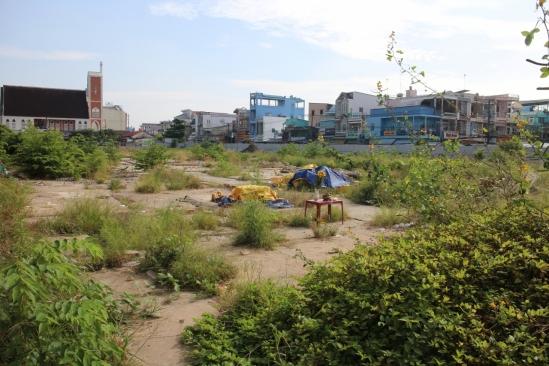 Khu đất được giao cho Công ty TNHH Đầu tư và phát triển hạ tầng kỹ thuật Bình Minh thực hiện dự án Chợ và nhà phố thị xã Bình Minh.