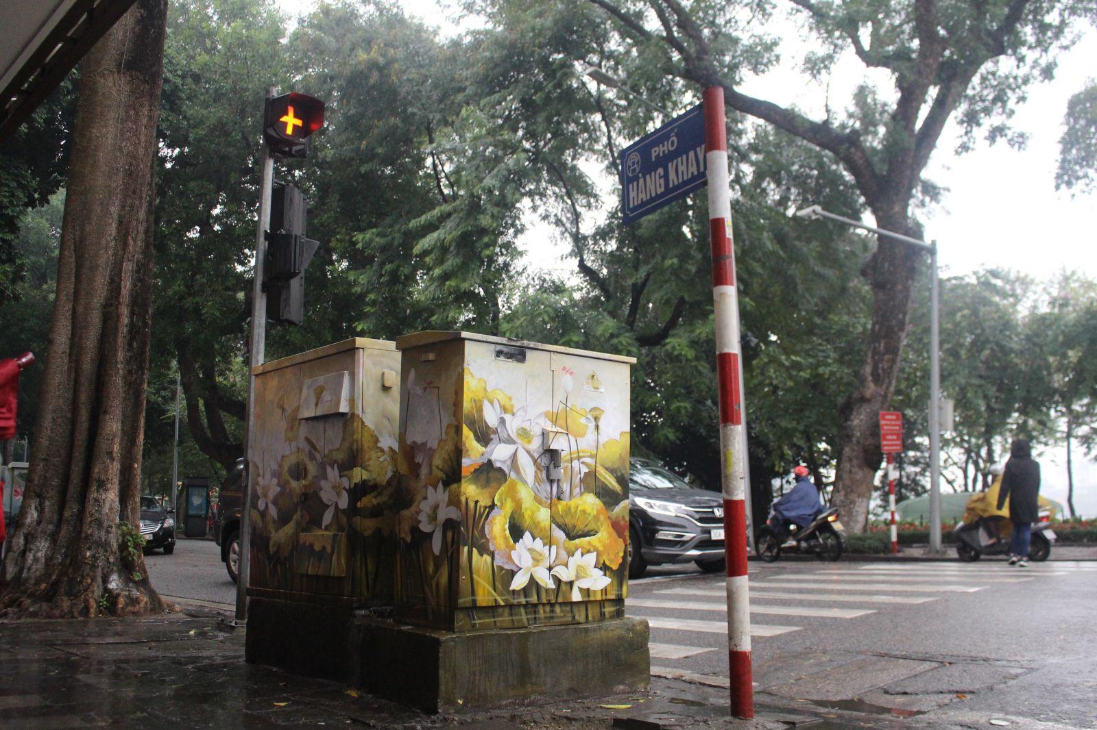 : Hàng Khay, Ngô Quyền, Tràng Thi là những con phố mà các bốt điện đang được tô điểm bộ mặt nghệ thuật