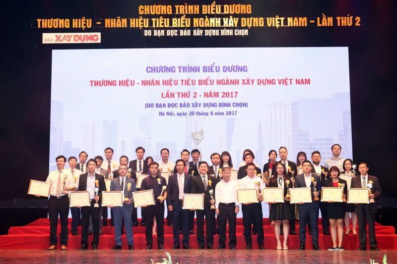 MIK GROUP nhận danh hiệu Top 10 Thương hiệu tiêu biểu ngành Xây dựng 2017