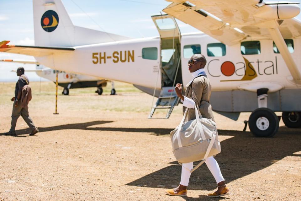 Nabongo trong một chuyến bay đến Serengeti