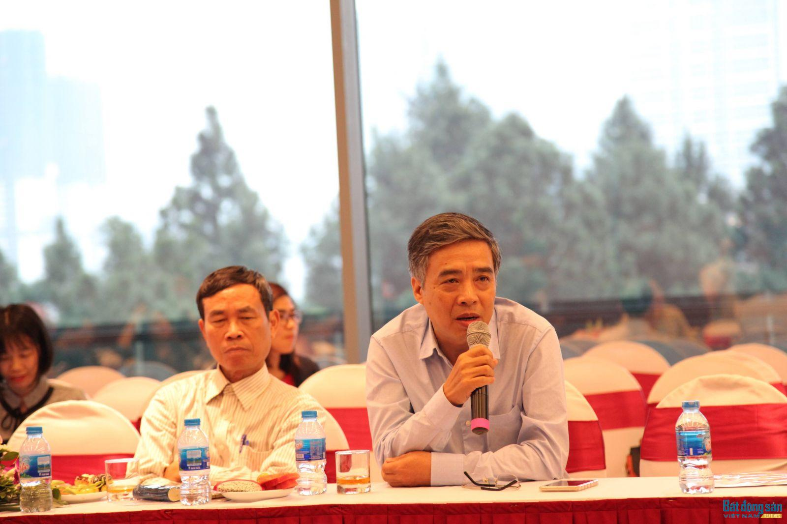 Nhà văn Trần Thanh Cảnh